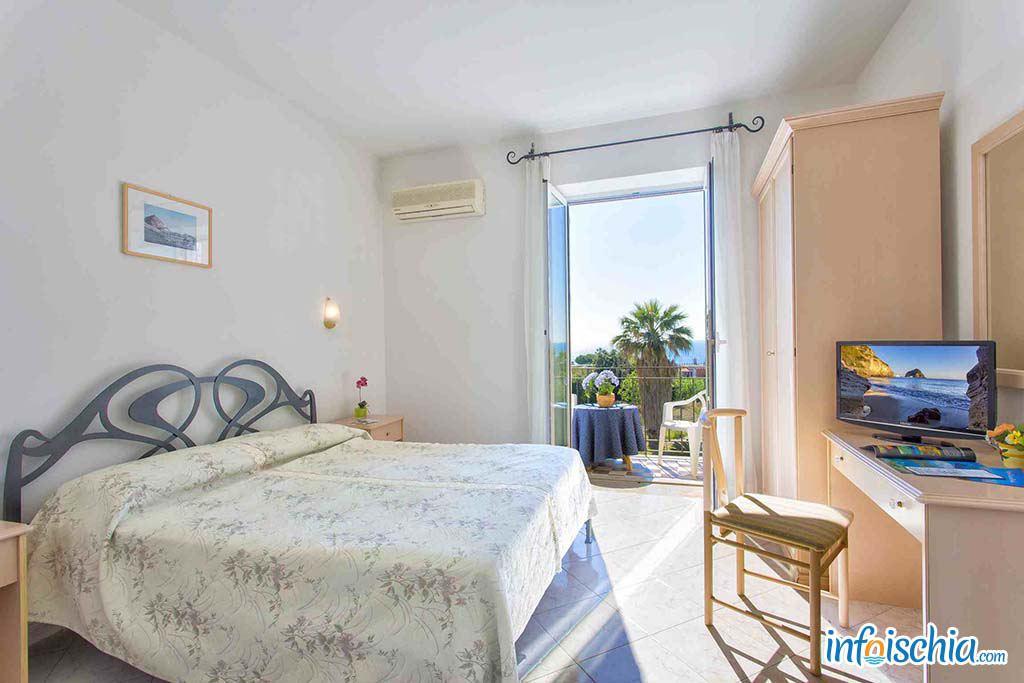 Hotel Eden Park Forio d'Ischia - Camera balcone e vista mare