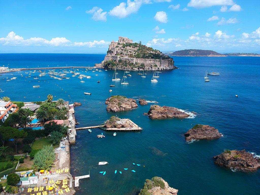 Dove si torva Ischia il Castello Aragonese