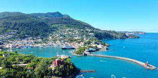 Il porto di Ischia