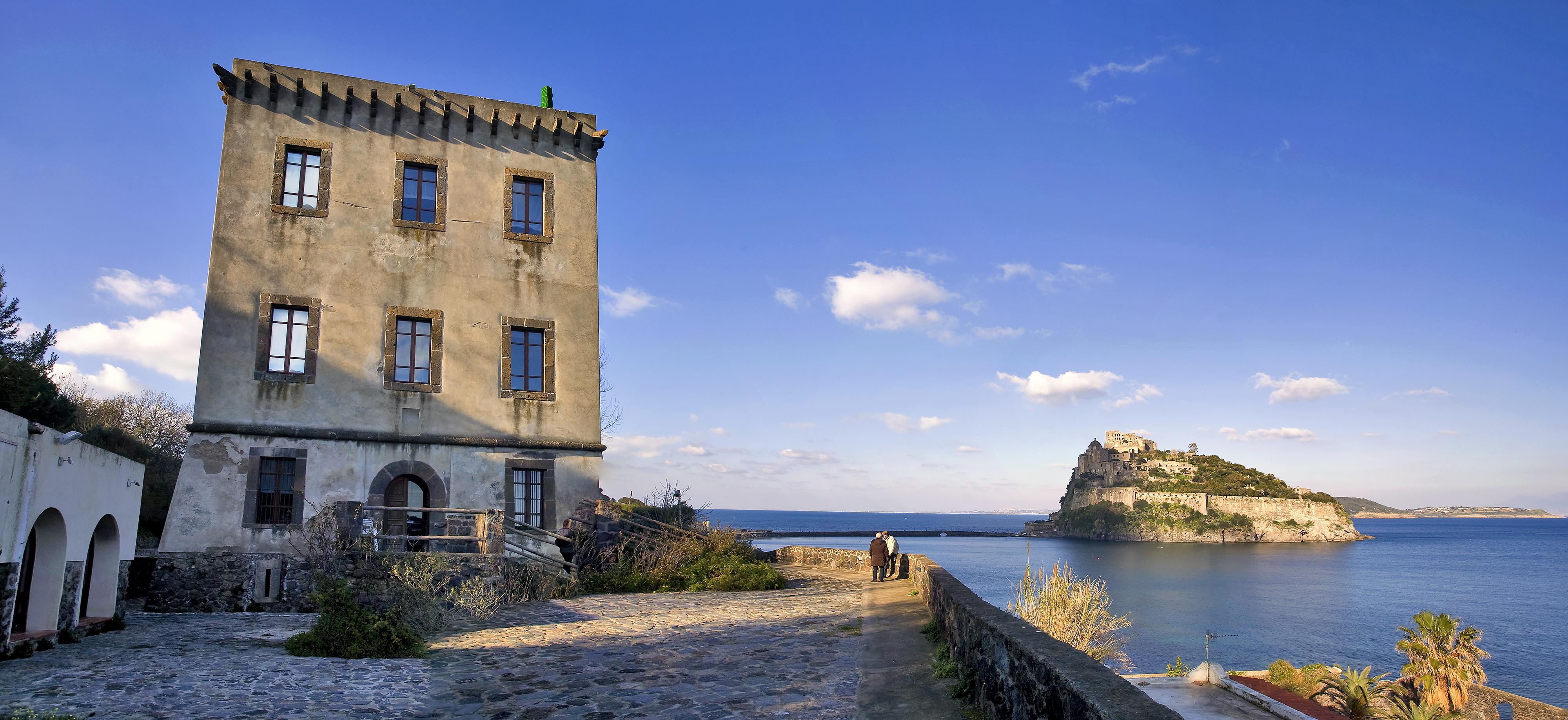 Ischia Ponte - Torre di Guevara e Castello Aragonese