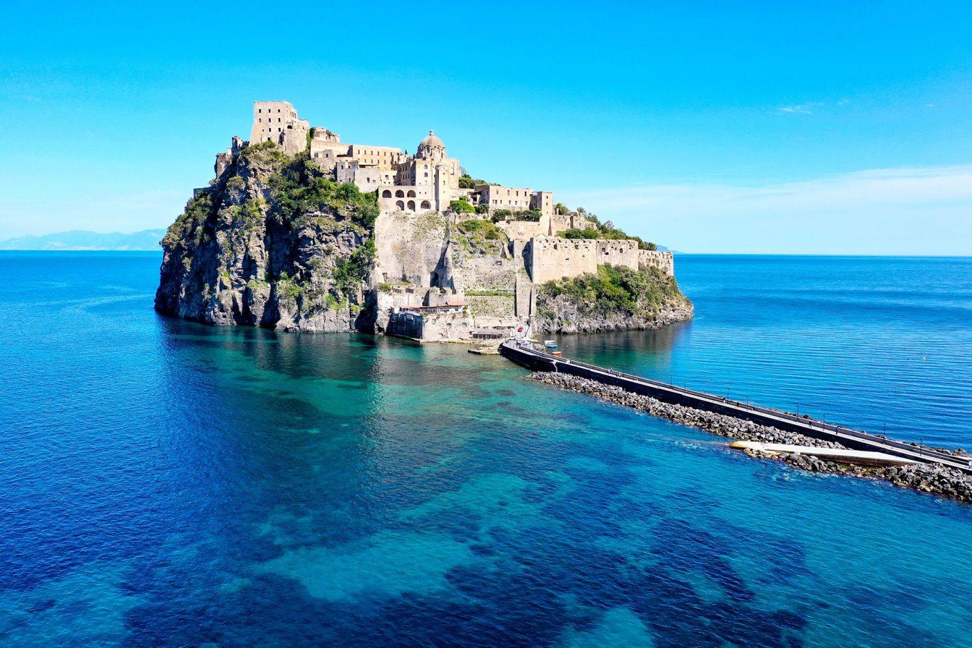 Il Castello Aragonese, uno dei simboli di Ischia