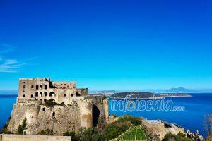 Il Maschio la parte più alta del Castello Aragonese
