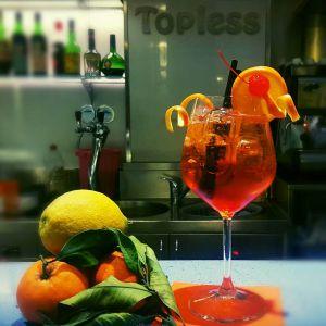 topless bar aperitivo casamicciola