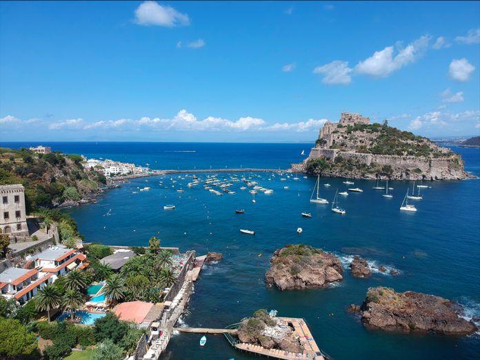 weekend-ischia-castello-aragonese-e-baia-di-cartaromana