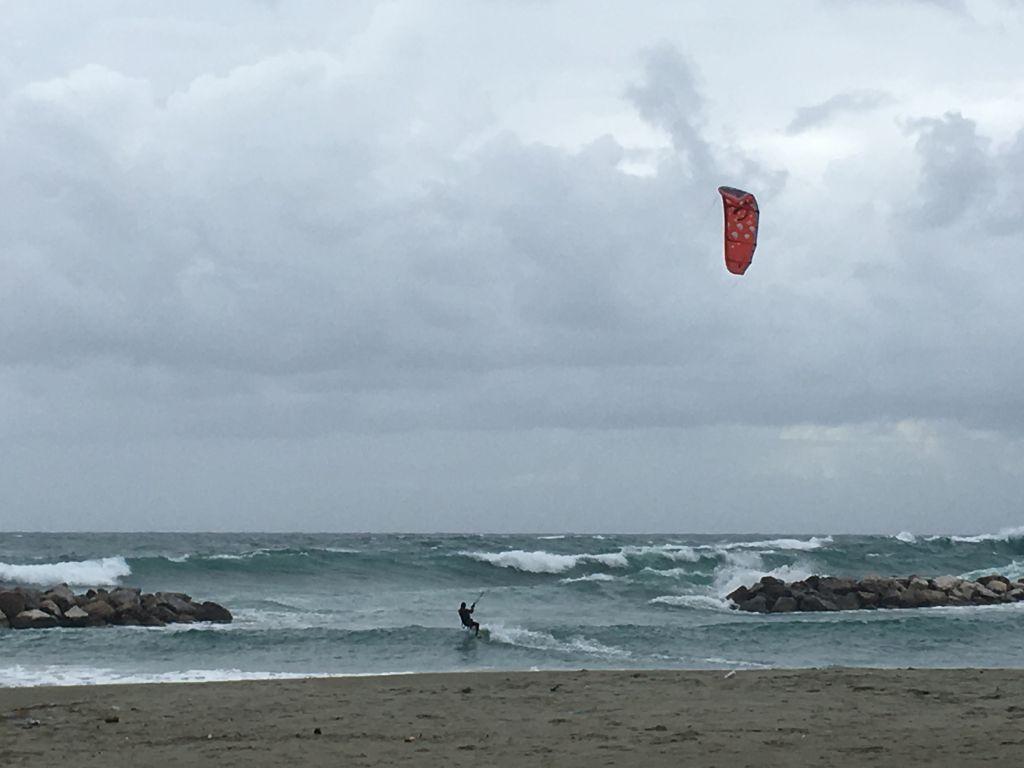 Mare di Ischia in inverno - kite surf