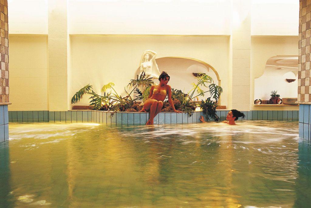 Piscina Termale Grand Hotel Terme di Augusto - Hotel 5 Stelle Ischia - Info Ischia