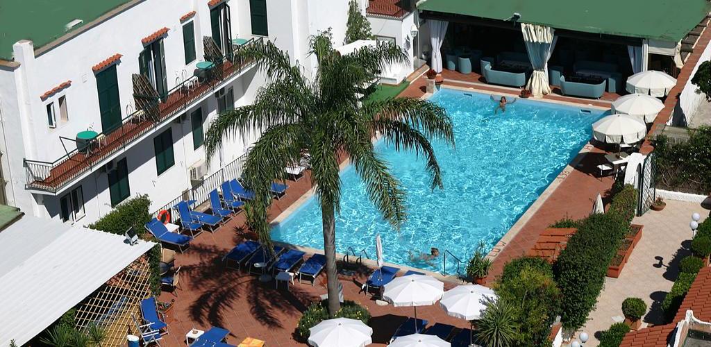 piscine Hotel Lord Byron Ischia - Hotel 3 Stelle Ischia - Info Ischia