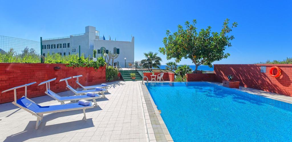 Hotel Punta Imperatore - Hotel 4 Stelle Ischia - Piscina - Info Ischia