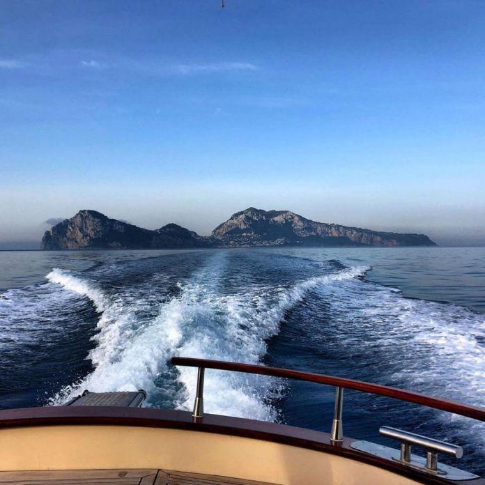 Isola di Capri vista dalla Barca