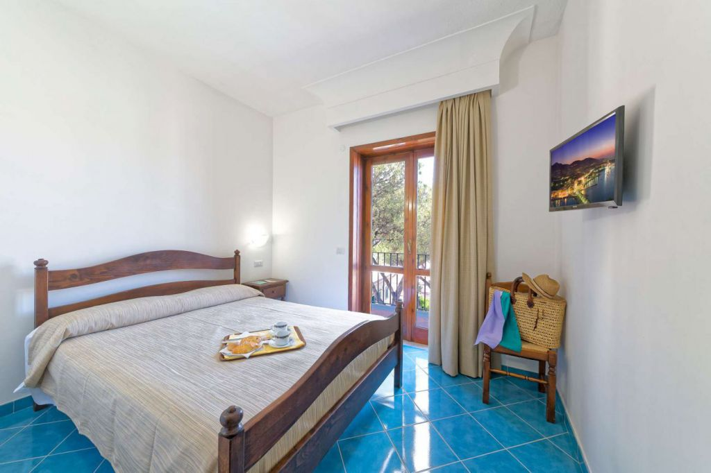Hotel-Ischia-San-Valentino-Terme-Camera-Relax-2017-01-1920x1280