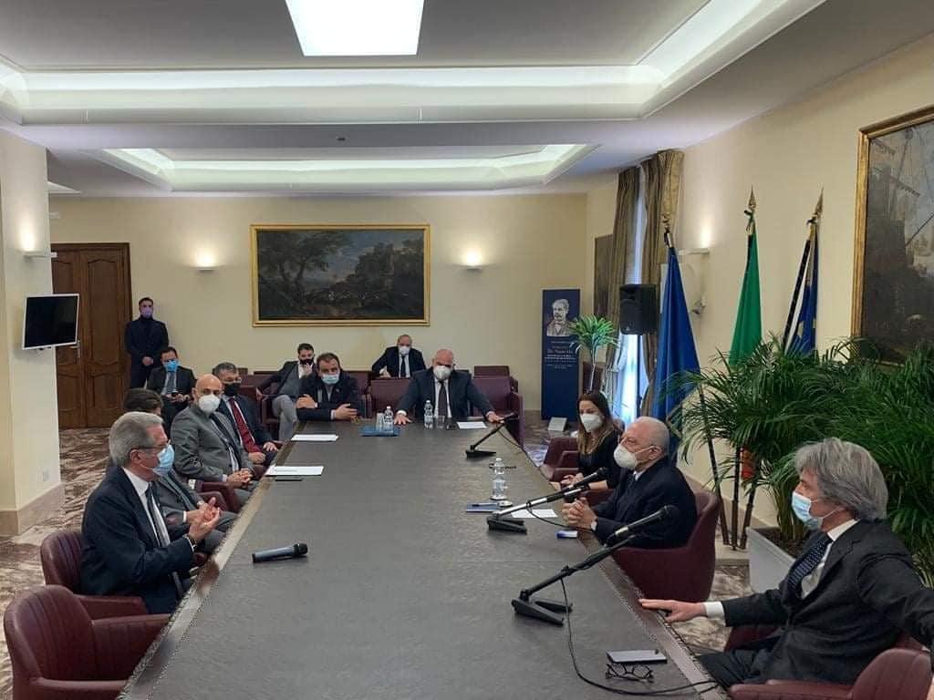 I sindaci dell'isola con Vincenzo De Luca
