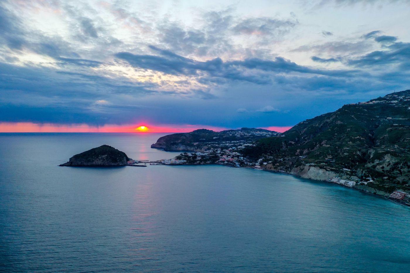 Ischia il tramonto dai Maronti 22 Marzo 2021