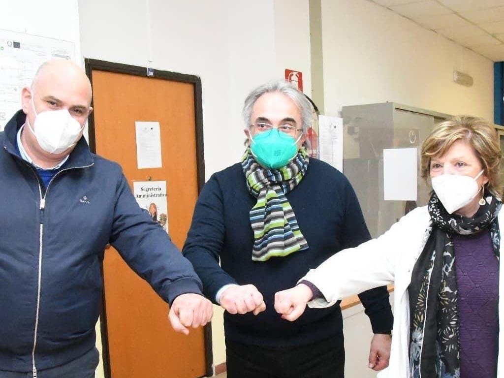 Il Sindaco di Ischia Enzo Ferrandino durante la campagna vaccinale